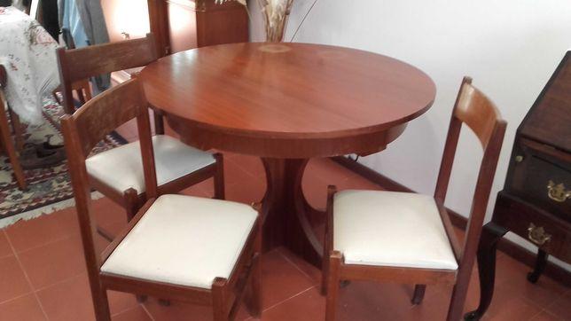 Mesa Madeira Maciça Extensível com 4 Cadeiras