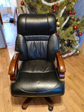 Кресло кожаное офисное