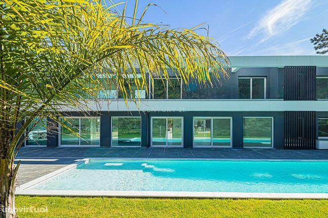 Moradia T6 com piscina, Herdade da Aroeira, Almada
