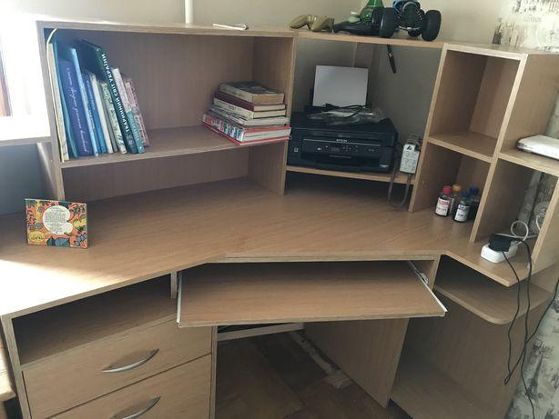 Стол компьютерный 1м х 1.5 м