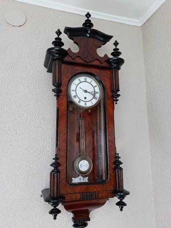Stary XIX wieczny zegar wiszący