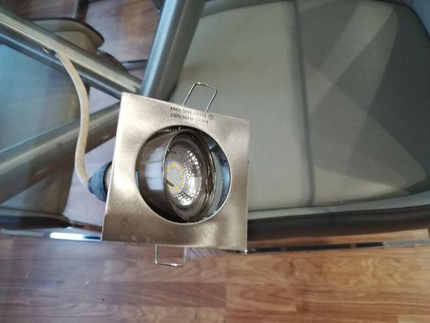 3 focos rotativos com lâmpadas de Led