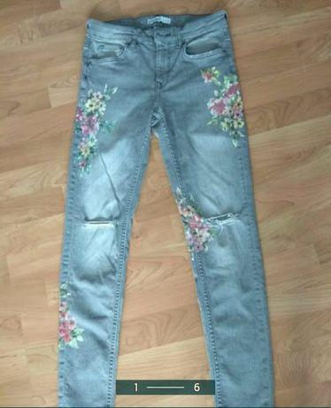 Фирменные джинсы Zara с вышивкой ,рост 150-158
