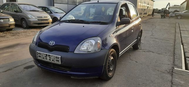 Toyota yaris 2000 r 1.0vvti cała na części ! lakier 8M4