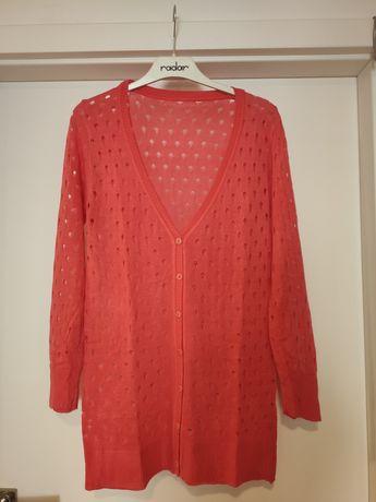 Ażurowy różowy sweterek