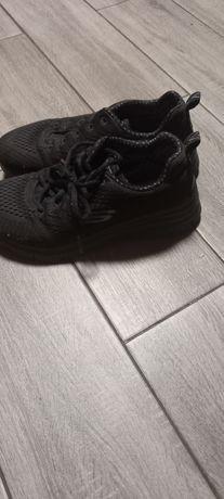 Продам кросівки skechers