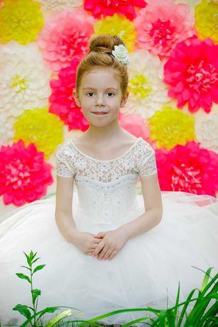 платье нарядное на  5-6 лет