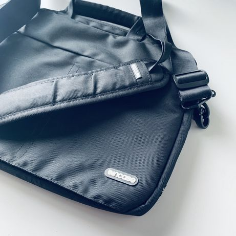 Incase Nylon Sling Sleeve Macbook Air Pro 13 torba na laptopa na ramię