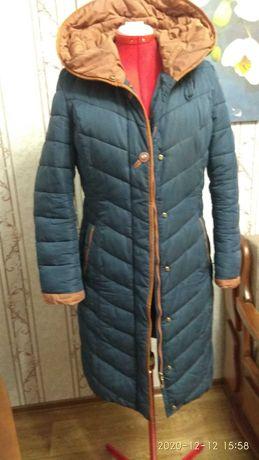 Пальто теплое с капюшоном