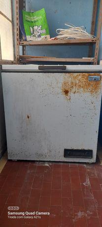 Arca Congeladora Ariston 220 litros