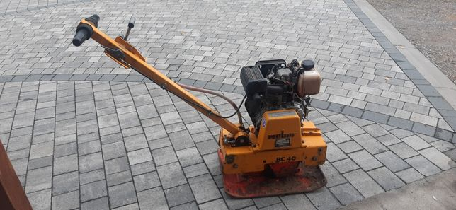 Zageszczarka WEBER,diesel-105kg,rewers