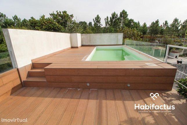Moradia Geminada T5 com piscina em Viseu