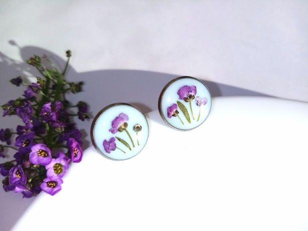 Сережки с цветами, серьги из эпоксидной смолы, гвоздики, пусеты