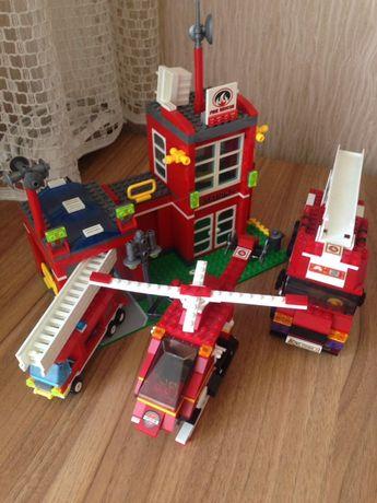 Конструктор Лего пожарная машина вертолёт в отличном состоянии