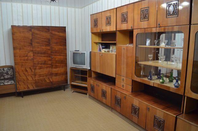 Долгосрочная аренда 2к квартиры, Ирпенская 74, метро Академгородок