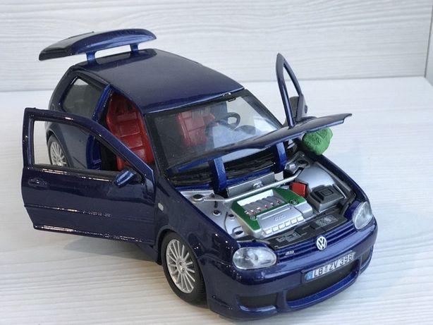 Volkswagen Golf R32. Фирмы Maisto 1:24
