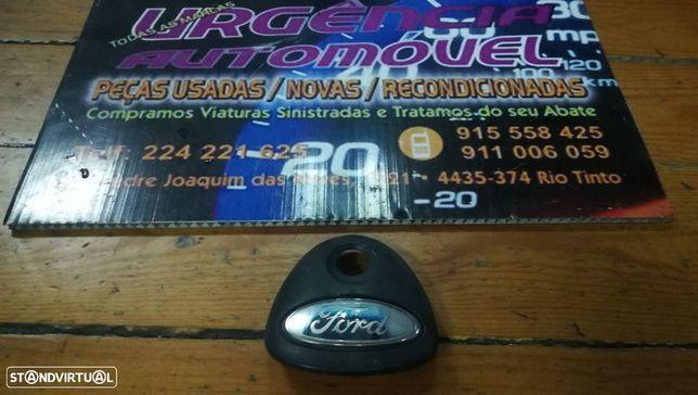Pega Aro Friso puxador mala Com luzes Matricula -  Fiesta 1995 a 2001