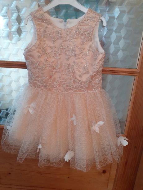 Нарядное платье 5,6 лет