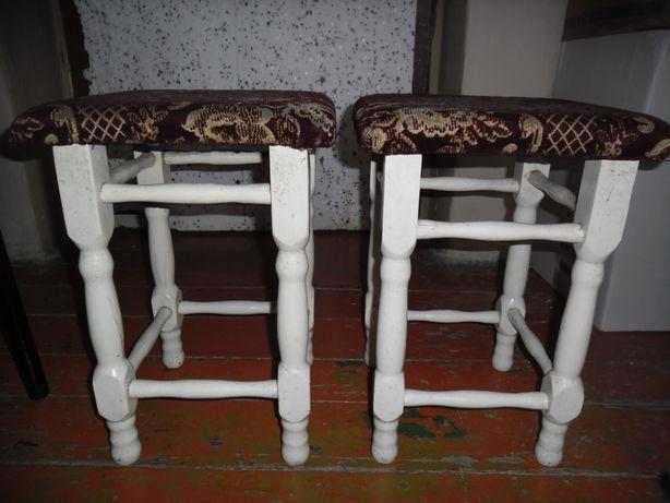 2 krzesla.
