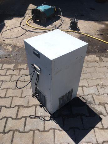 Охладитель Тайфун V100 подстоечный