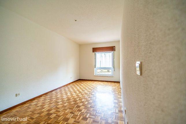 T2 para arrendamento em Telheiras/Alto da Faia