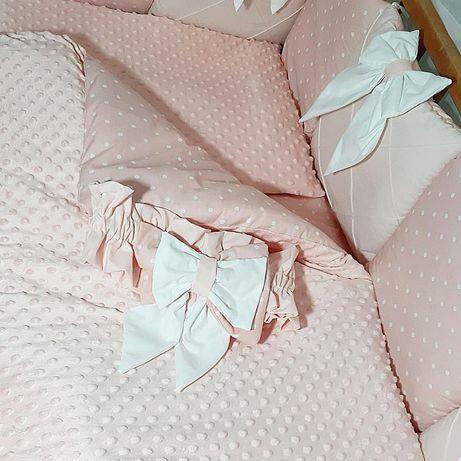 Постельный комплект в детскую кроватку.