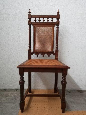 Cadeira de Madeira Castanho com Assento e Encosto em Palhinha