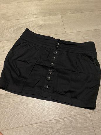 Spódniczka czarna z guzikami