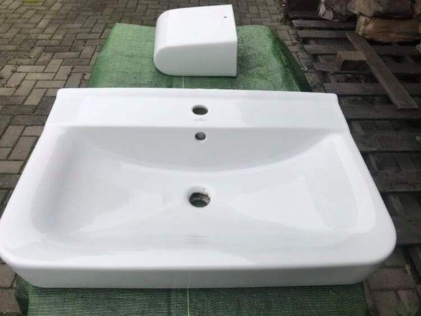 Sprzedam umywalkę podwieszaną Cersanit 70x45 cm.