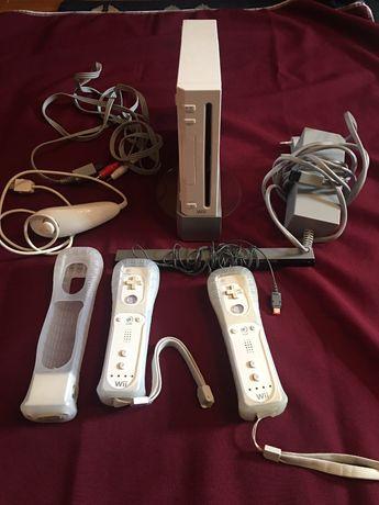 Wii + jogos + acessórios + WiiFit Plus