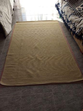 Carpete vende-se.