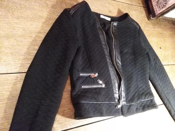 Czarna narzutka, sweterek, żakiecik ocieplana