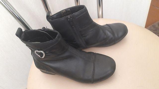 Демисезонные ботиночки для девочки Clarks