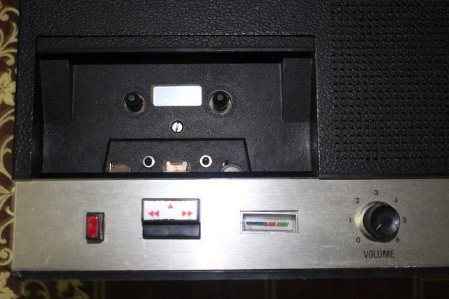 Gravador de K7 marca Siera com Micro