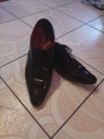 Buty męskie pantofle