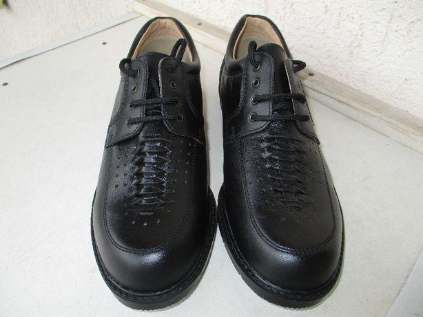 Новые кожаные туфли Словакия