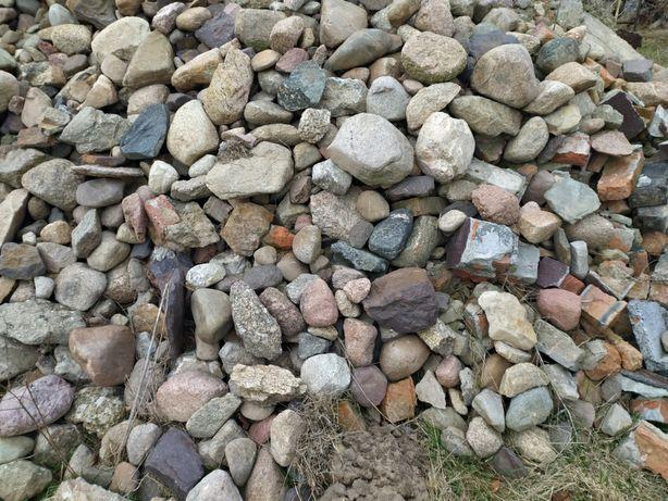 Kamienie polne zamienię na ziemię