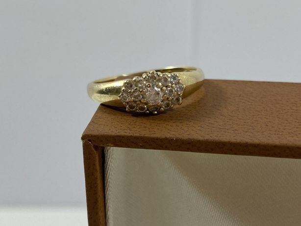 Śliczny złoty pierścionek 2,18G / 585 / R. 12