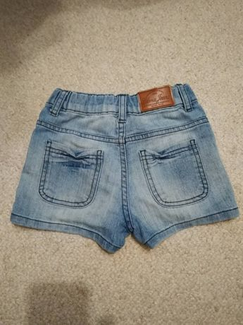 Продаю джинсовые шорты на девочку