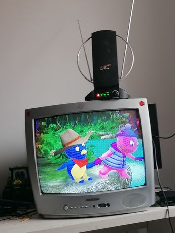 Telewizor sprawny widoczny na zdjęciu