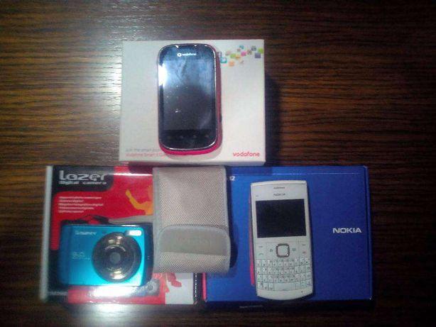 Conjunto de telemóveis mais máquina fotográfica