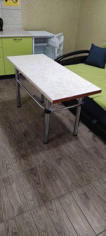 Стол на металлической основе + столешница