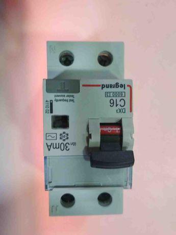 Дифференциальный автомат Legrand C16 2P AC 30 mA