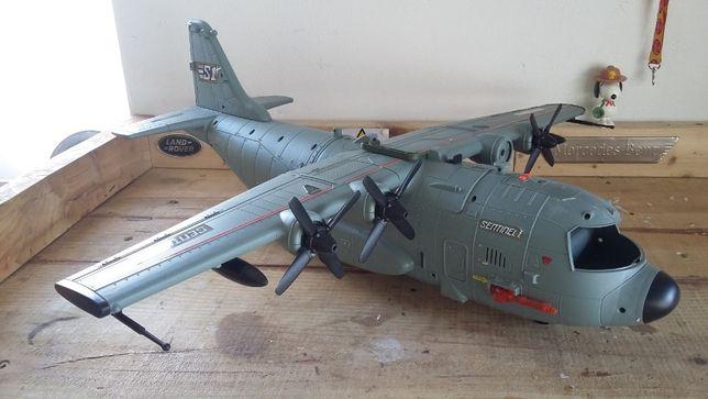 Réplica Avião C-130