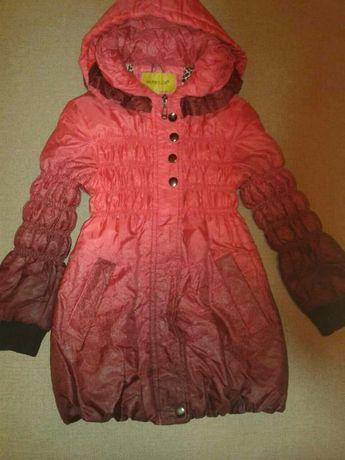 Пальто для девочки весна-осень 5-8 лет в отличном состоянии