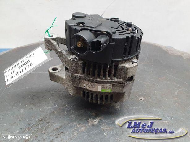 Alternador Usado PEUGEOT/206 Hatchback (2A/C)/1.1 i   09.98 - REF. 9638275580 /...