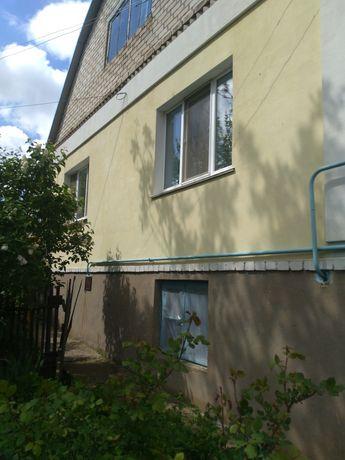 Продаю двухэтажный дом на два хозяина или для большой семьи.