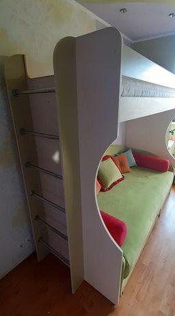 Кровать чердак с нишей под диван или кресло или стол