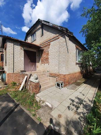 Продам дом на две семьи в районе рынка