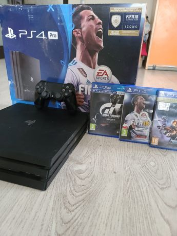 PlayStation 4 pro 1tb + 5 игр